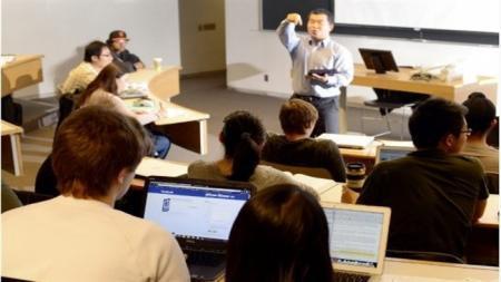 social media, students , listening